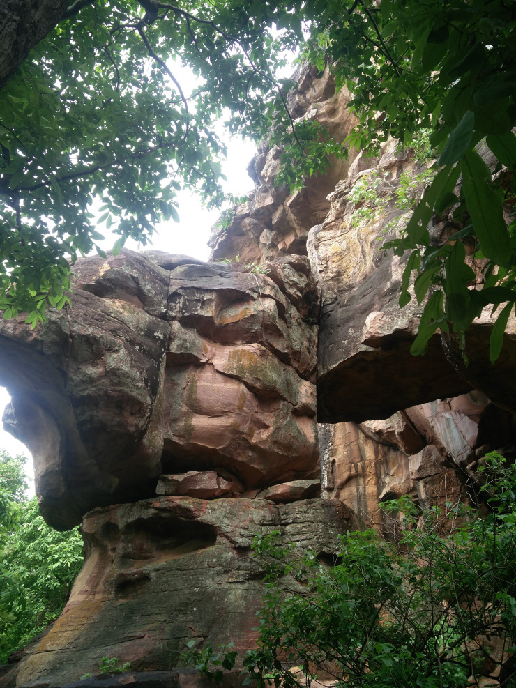 Photos of Bhimbetka Rock Shelters: An Archeological Treasure In Central India 1/1 by Pragmatic Traveller