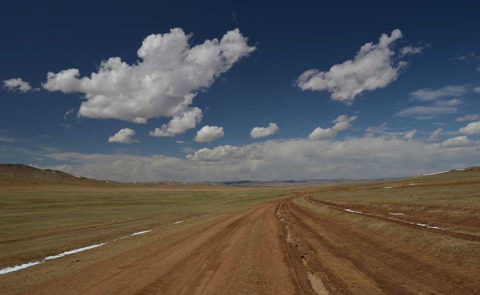 Long way home - Part III - Buryatia to Mongolia: Bollywood, Buddha, Saraswati and Genghis Khan