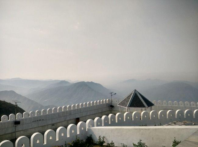 How to enjoy places around Shimla w/o touching congested Shimla...