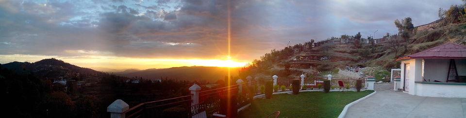 Photos of Mukteshwar : The Golden Peak above Nainital 1/1 by Nikhil Aggarwal