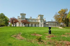 Dundurn Castle 1/1 by Tripoto