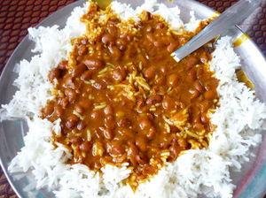 Top 10 dishes to try when traveling in India