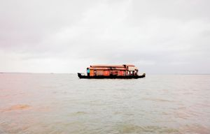Allepy Backwaters 1/14 by Tripoto