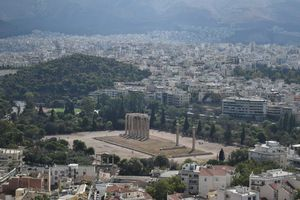 Temple of Olympian Zeus 1/2 by Tripoto