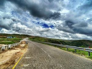 5 Reasons Why You Need To Pack Your Bags NOW and head out to Shillong !