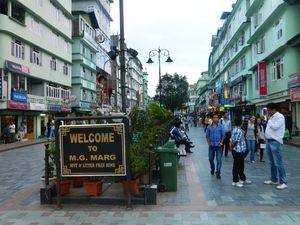 MG Marg Market 1/10 by Tripoto