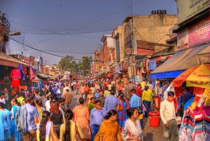 These 5 Street Markets in Delhi can get you anything at Rock Bottom prices !