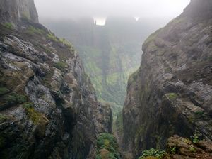 A walk in The Mountain:Trek to Harishchandragad via Nalichi Vaat.