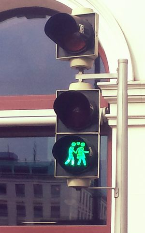 Cross or not to cross the road for lesbians or gays (Viena)