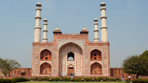 Tomb of Akbar the Great 1/3 by Tripoto