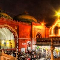 Hazrat Nizamuddin Darga 3/4 by Tripoto