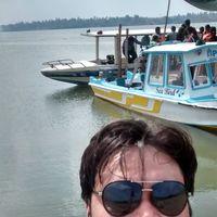Piyush Travel Blogger