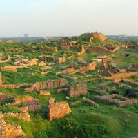 Tughluqabad Fort 2/5 by Tripoto