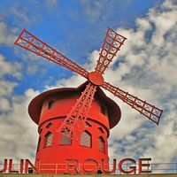 Moulin Rouge 2/5 by Tripoto