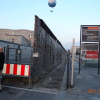 Memorial of the Berlin Wall 5/6 by Tripoto