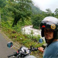 Pragmatic Traveller Travel Blogger