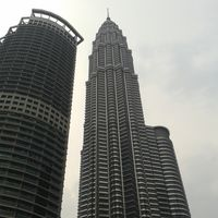 Petronas Twin Towers 4/17 by Tripoto